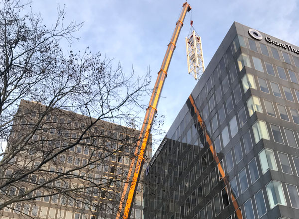 First Tower Crane Arrives at Euston Station