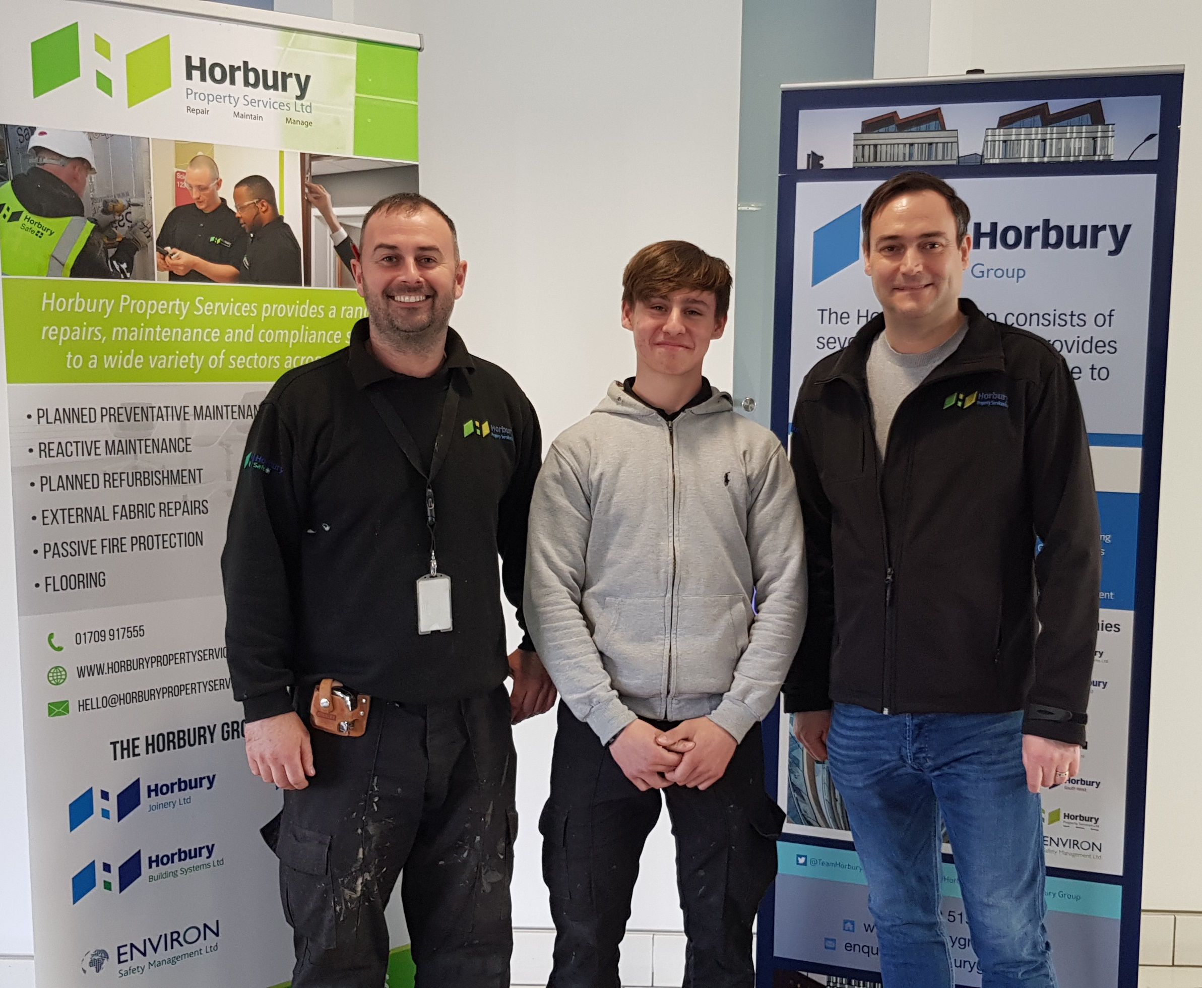 CURTIS RECEIVES APPRENTICE AWARD FROM HORBURY AND THE SHEFFIELD COLLEGE