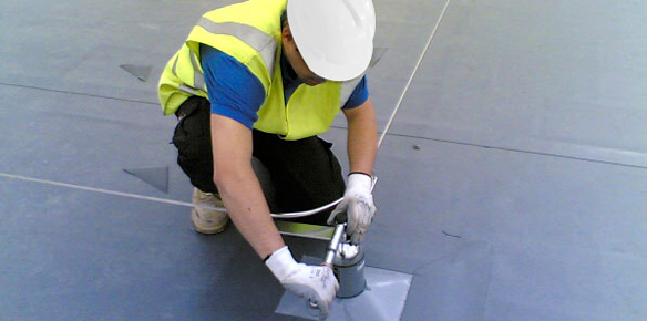 Fall protection installation: what does a specialist installer look like