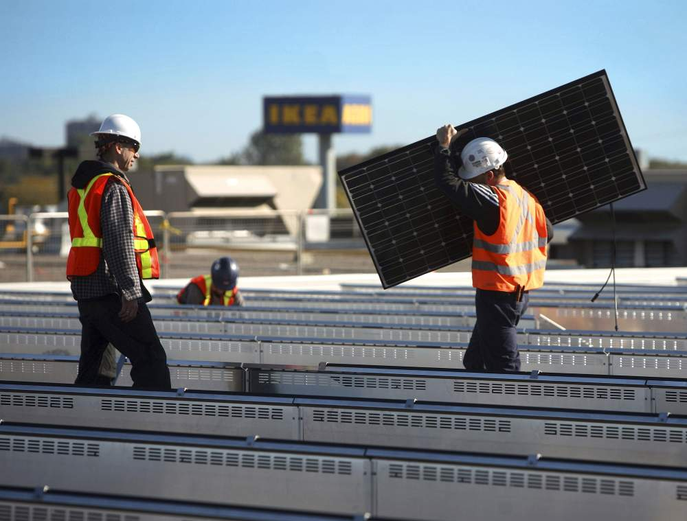 Criticism on the Government's Approach to Solar Industry