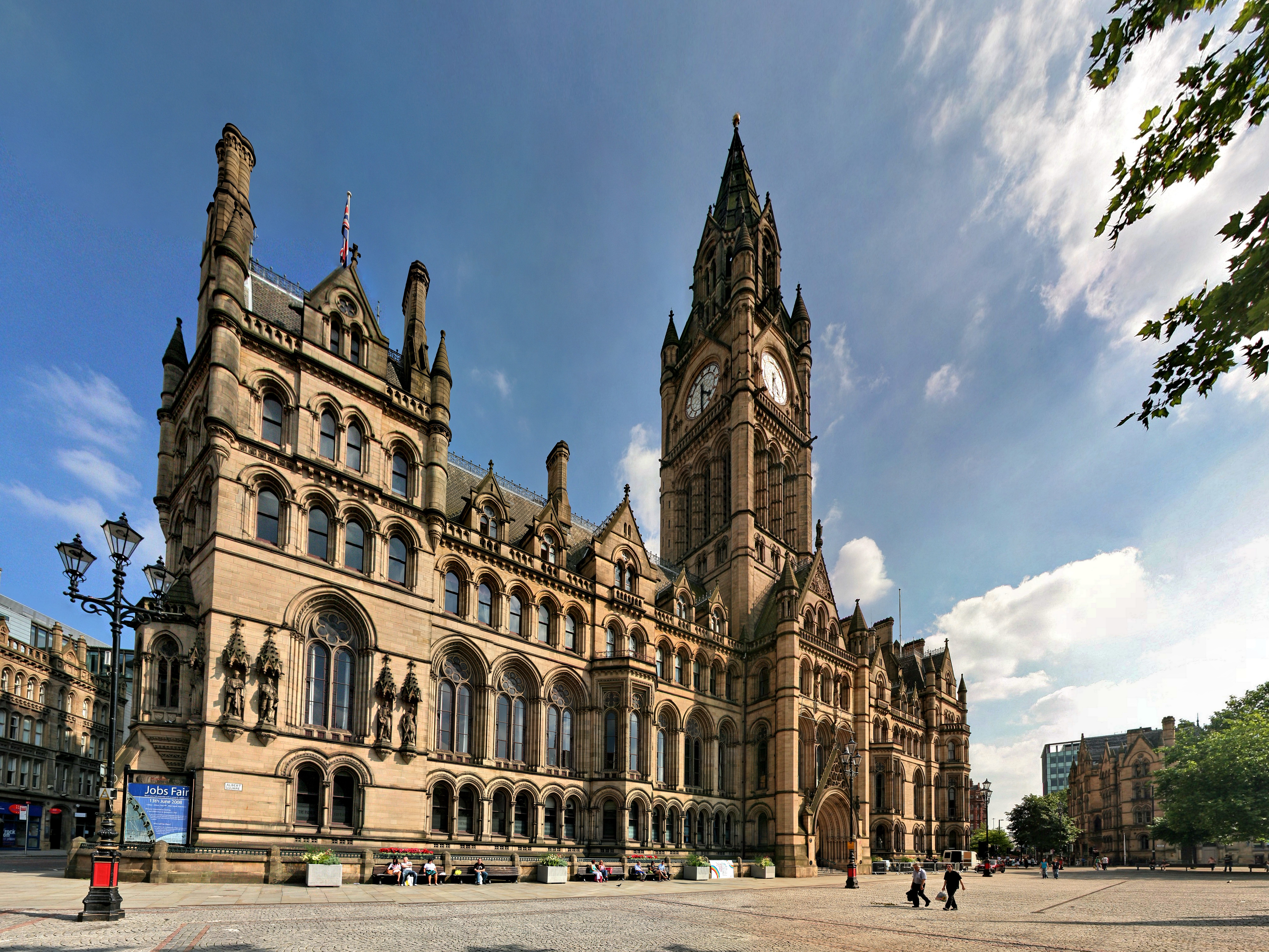 Lendlease Refurbishes Manchester Town Hall
