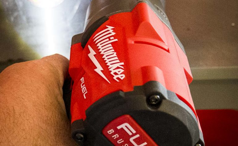 Milwaukee impact wrench 1400 ft lbs flush cut hacksaw