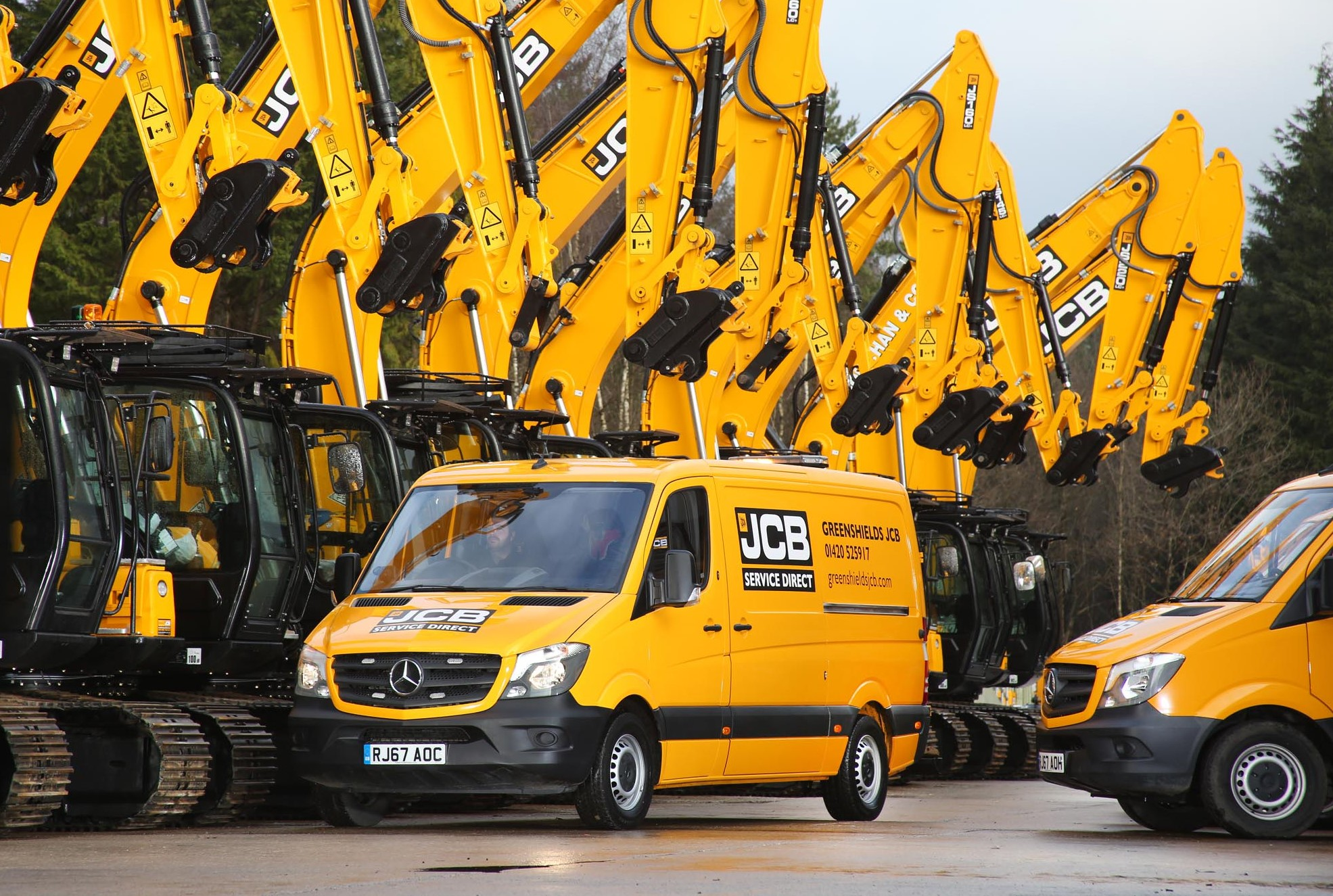 Mercedes-Benz vans dig in with Greenshields JCB