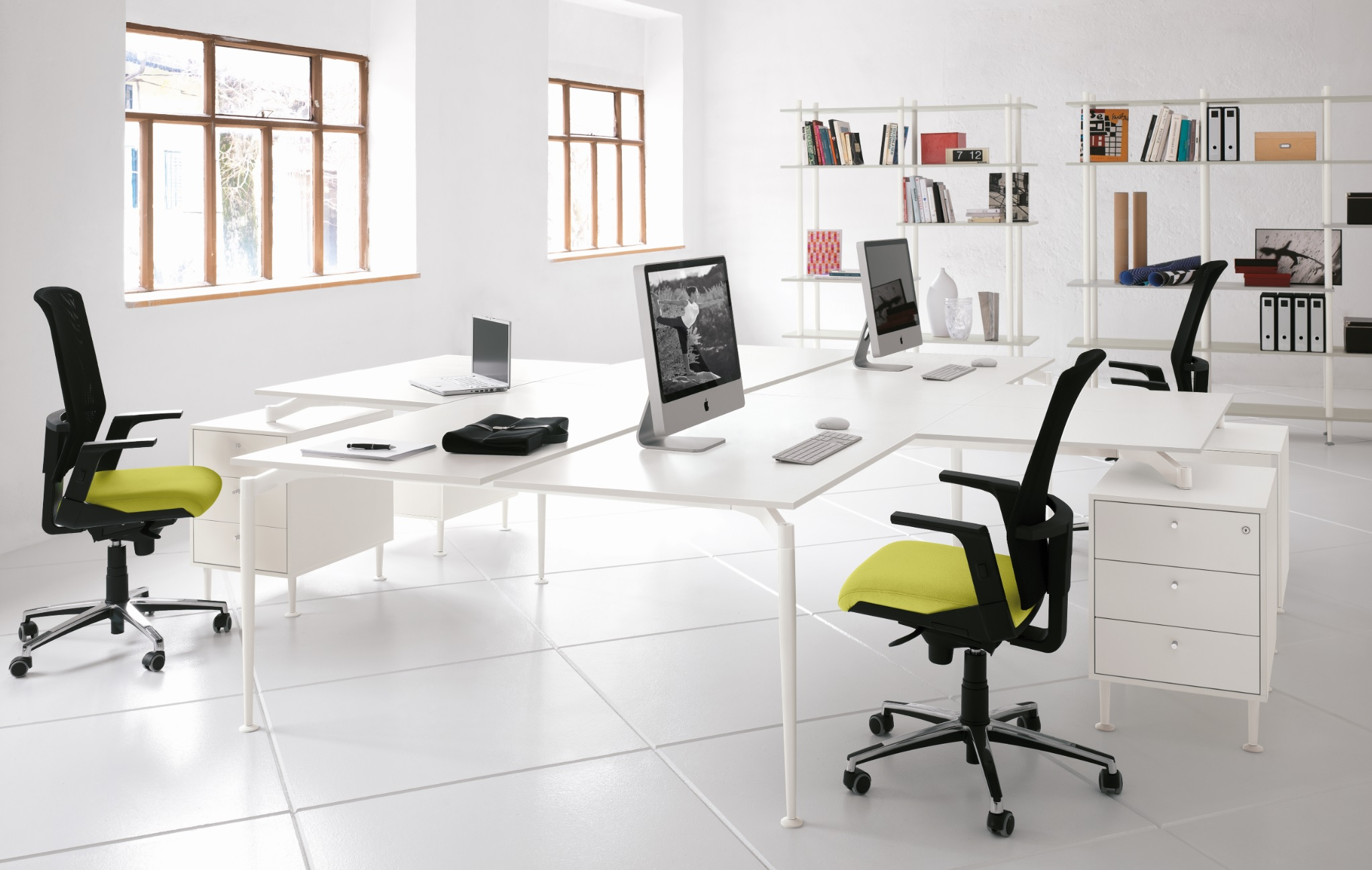 Spyn-E-Collection-from-Desk-Buzz