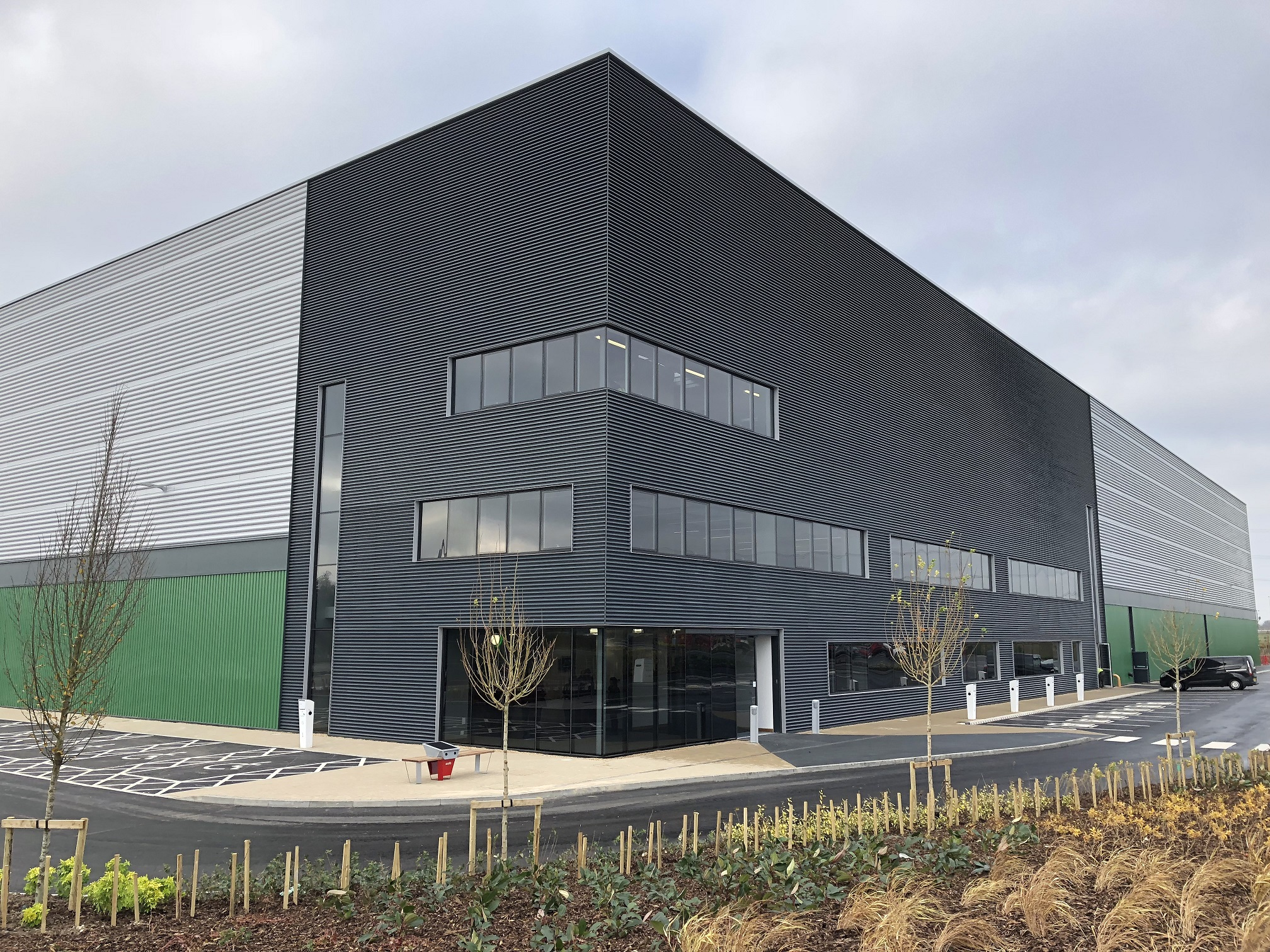 KAM Project Consultants supports build of 'the most sustainable warehouse in the UK'