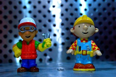 "Is ""Bob the Builder"" an Accurate Depiction of Safe Building in This Country?"