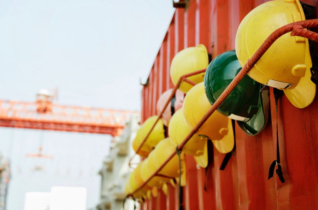 Why Construction Site Worker Must Have Protective Clothing?