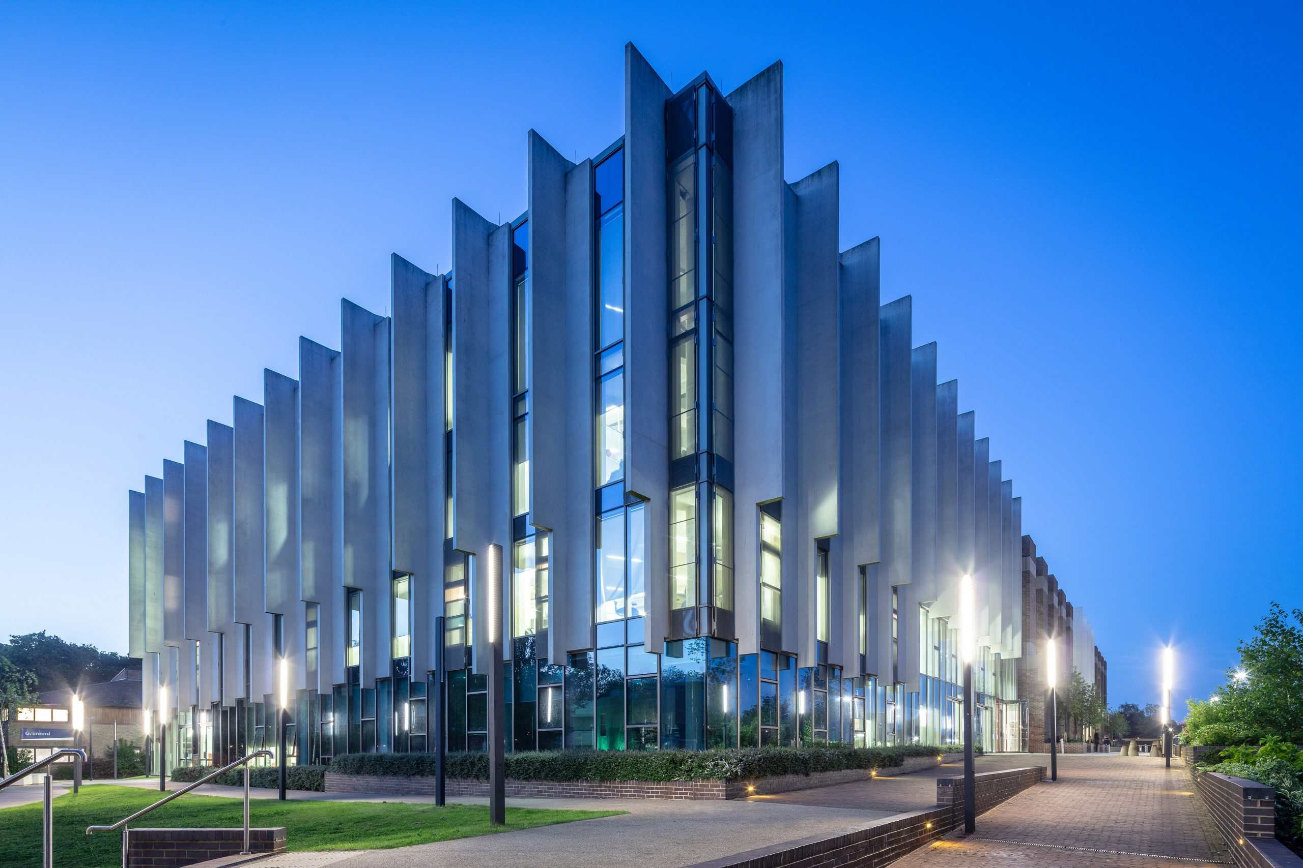 Kawneer glazing helps a university library move from Brutalist to beautiful