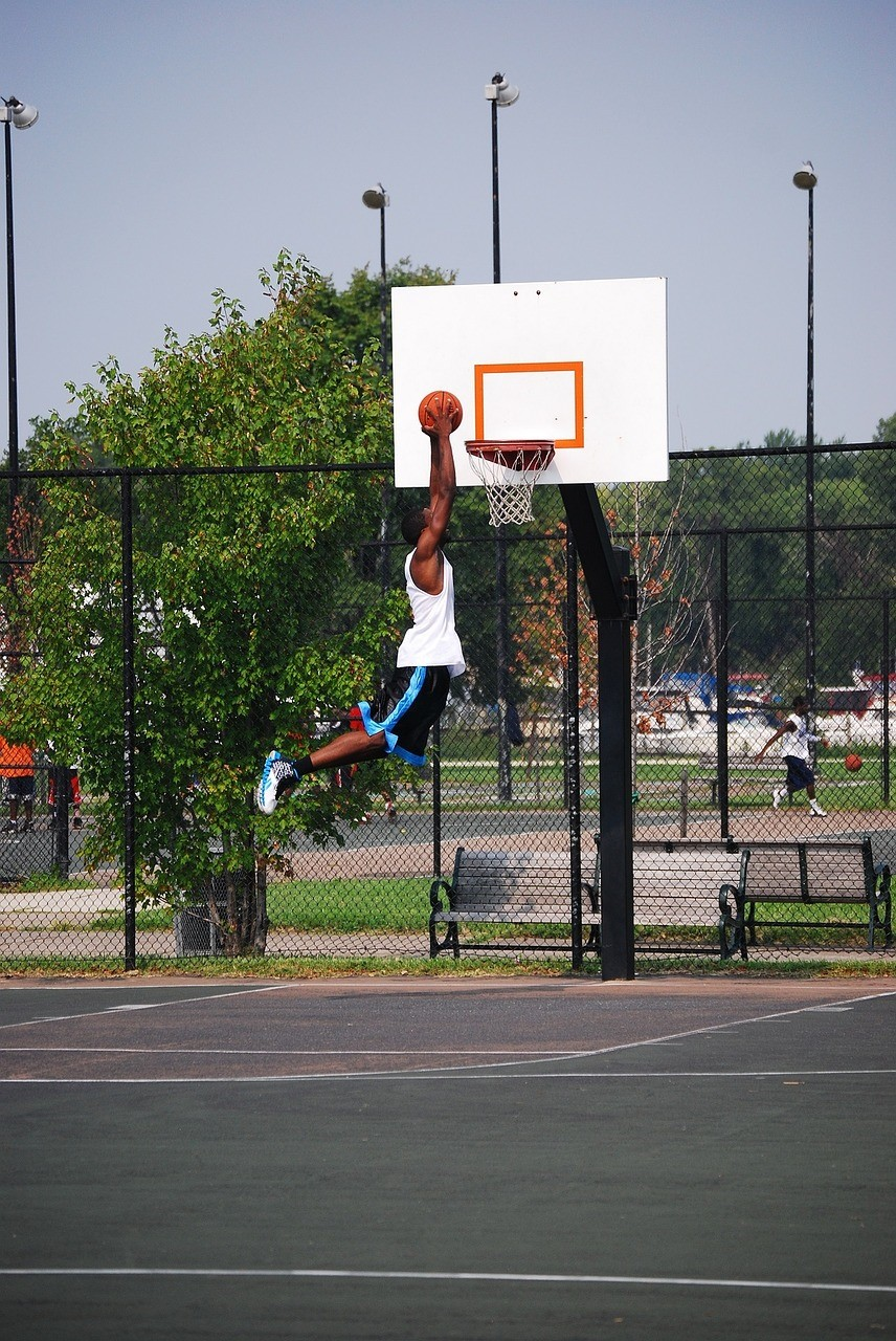 Using a New Jersey Asphalt Pavement Contractor to Build a Basketball Court