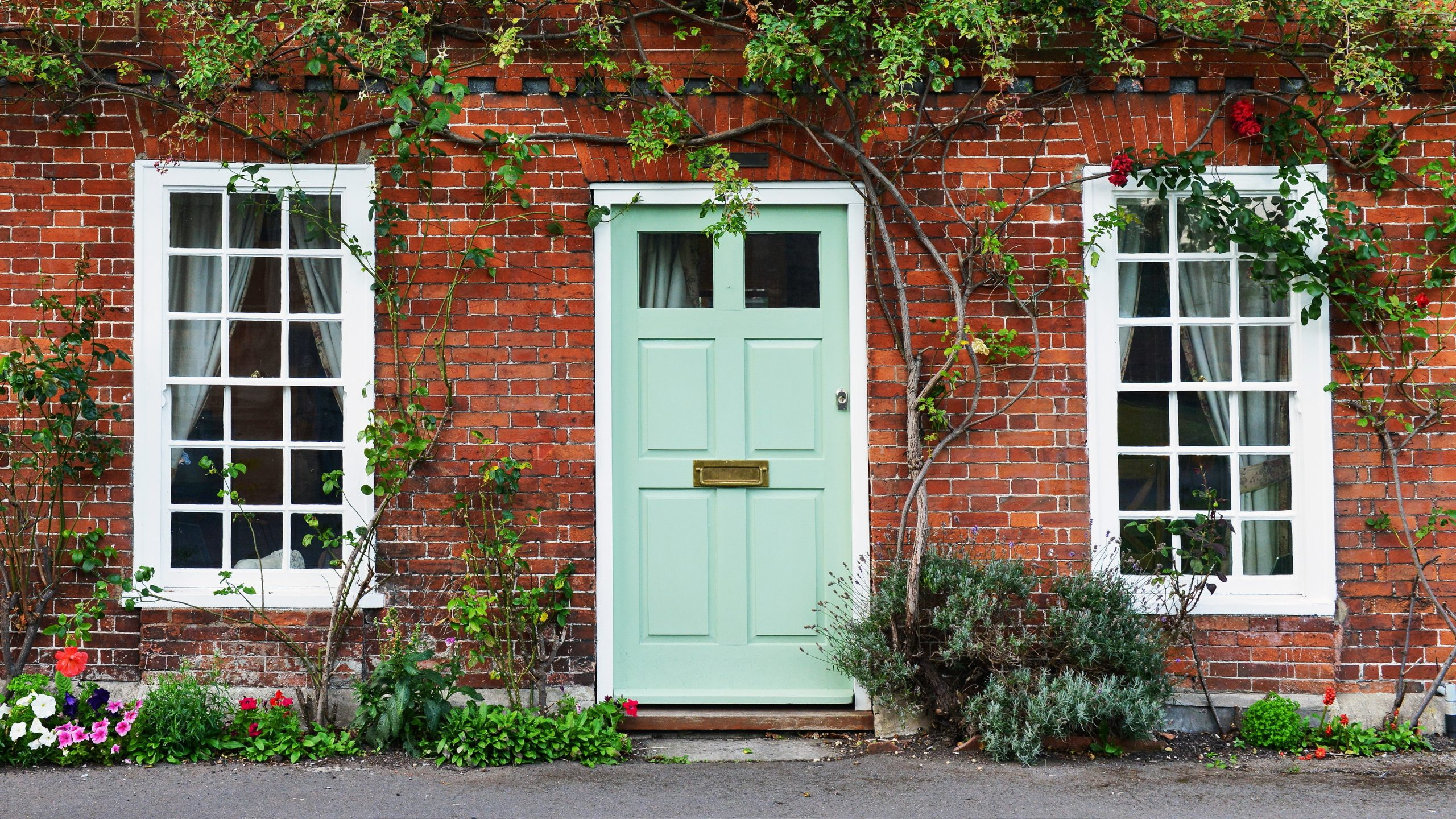 How to Find the Perfect Front Door