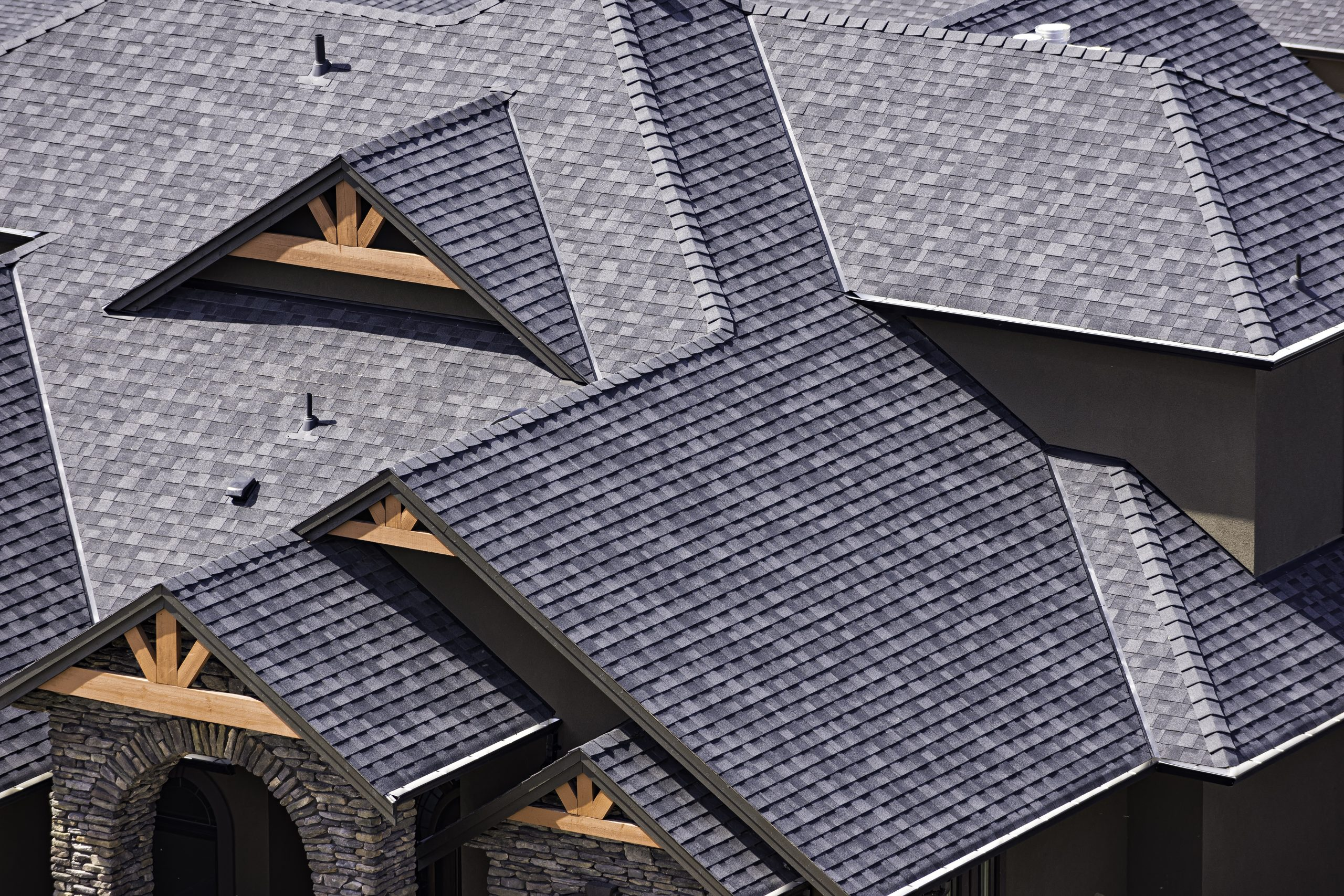 Roofing 101: 4 Tips For Choosing The Best Roof Colour