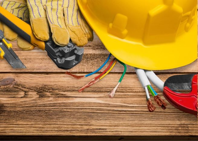 In what cases should you call an electrician?