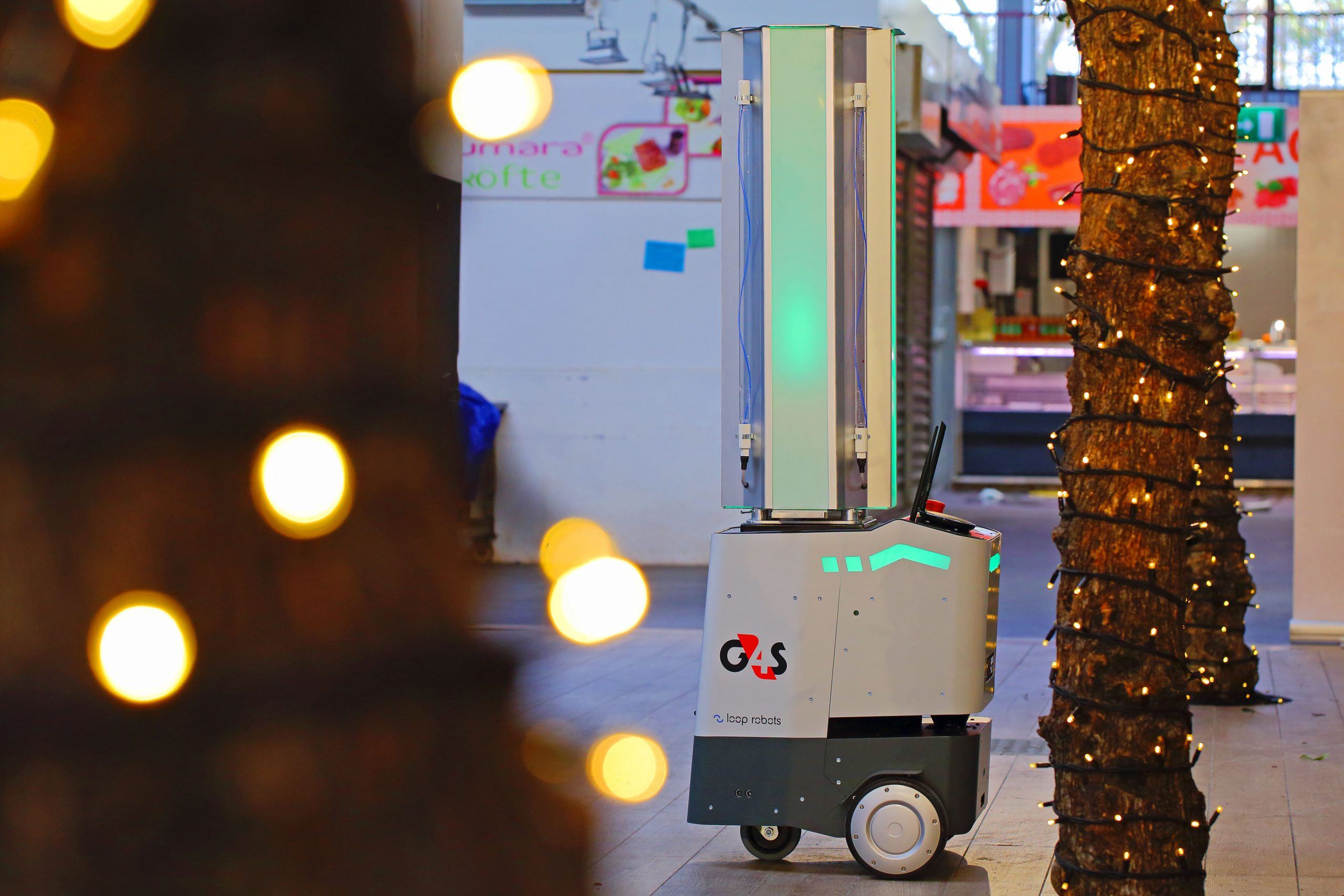 The ultimate in fast, safe and sanitising security: the SAM-UVC robot