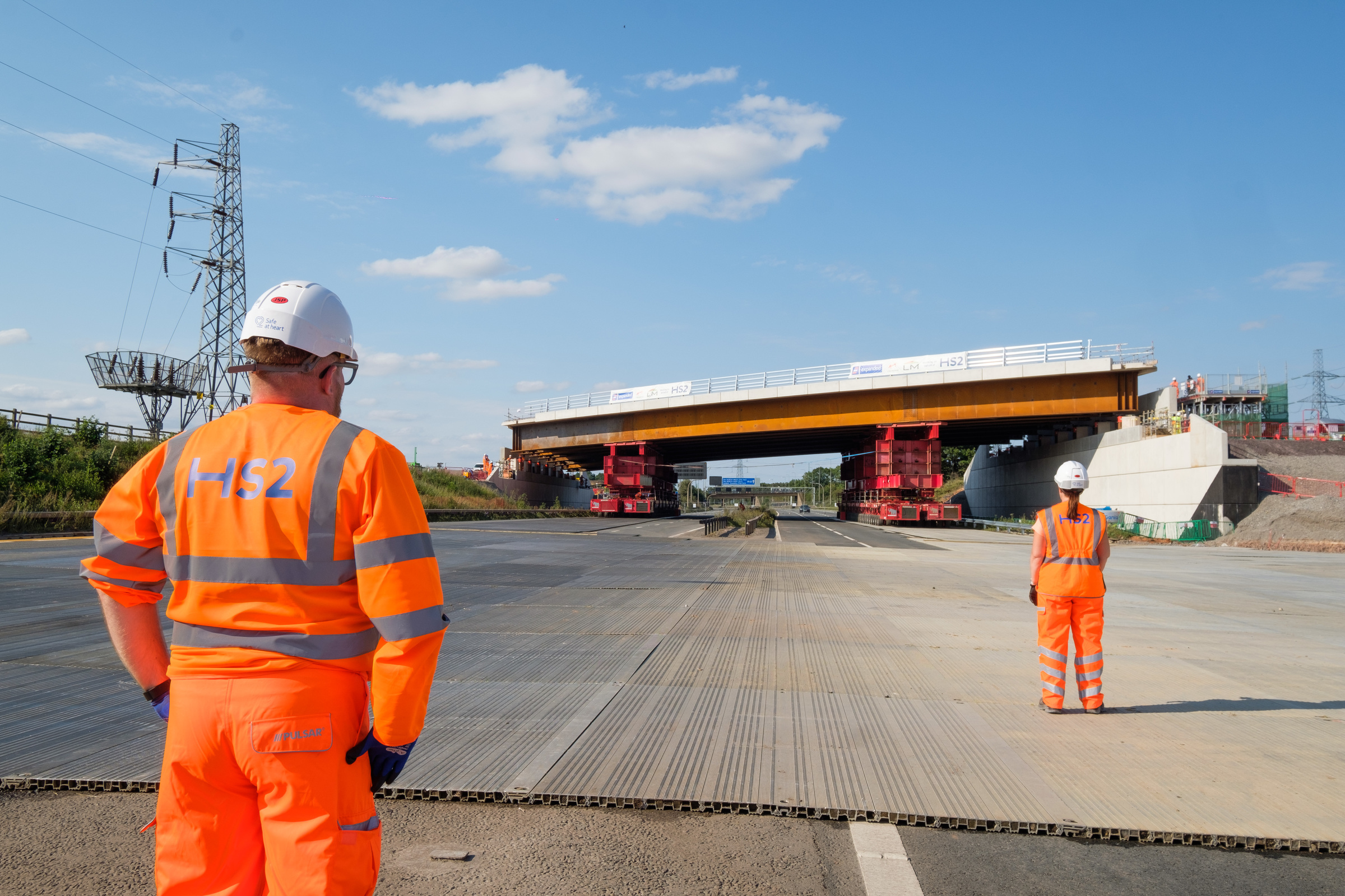 Free training to help UK businesses secure rail and road construction contracts
