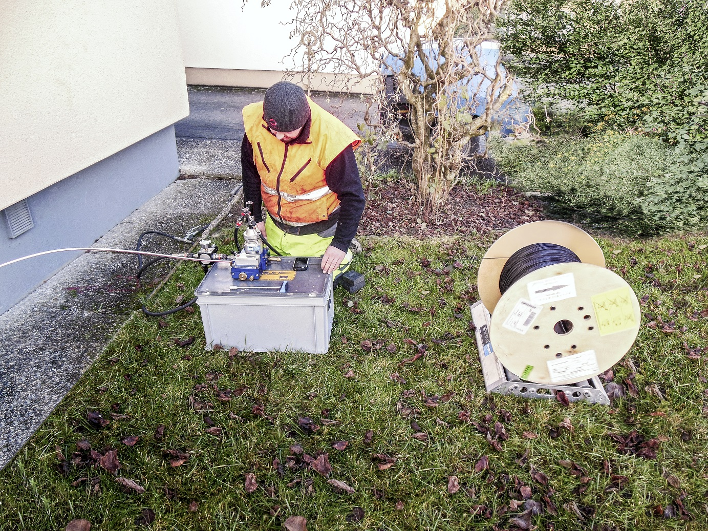 Economic Benefits of Fibre Optic Broadband Require Quicker Household Installation Solutions