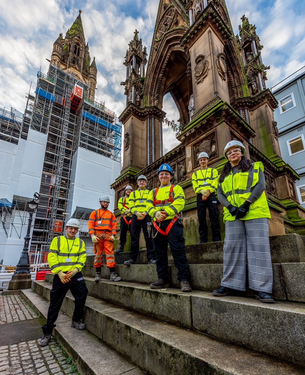 LYNDON SGB PROVIDING SCAFFOLDING ON ICONIC £330M MANCHESTER 'OUR TOWN HALL' PROJECT
