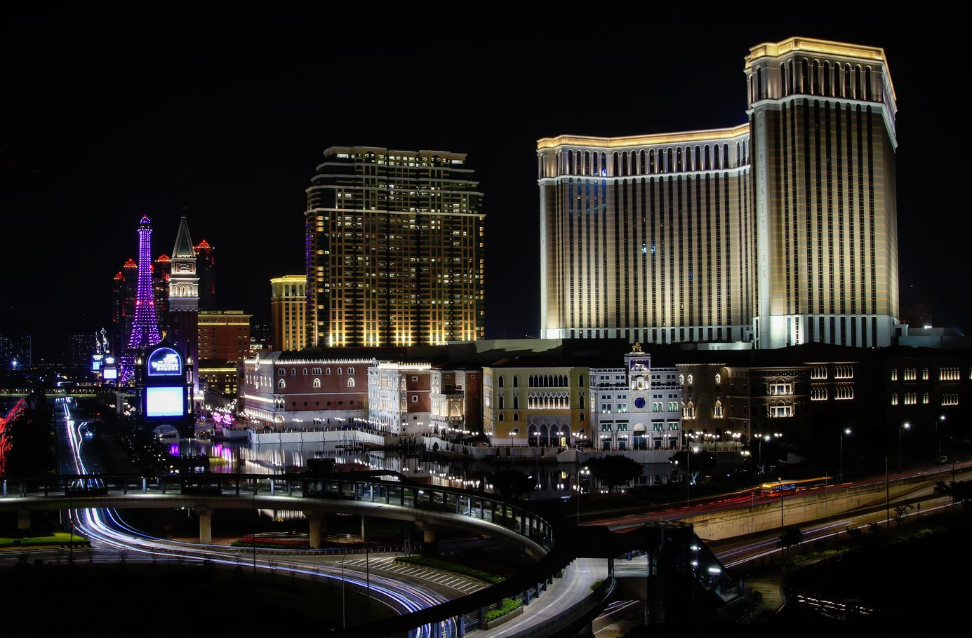 Las Vegas Sands boss sells The Venetian to invest in Asian Markets