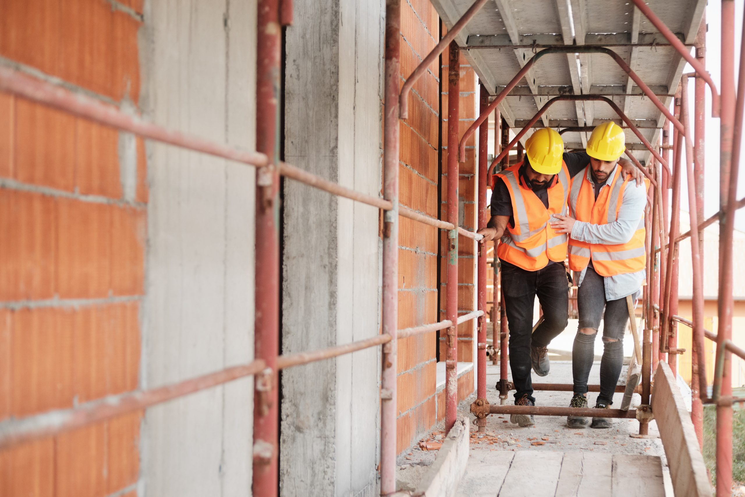 4 Reasons Construction Workers May Need Injury Lawyers