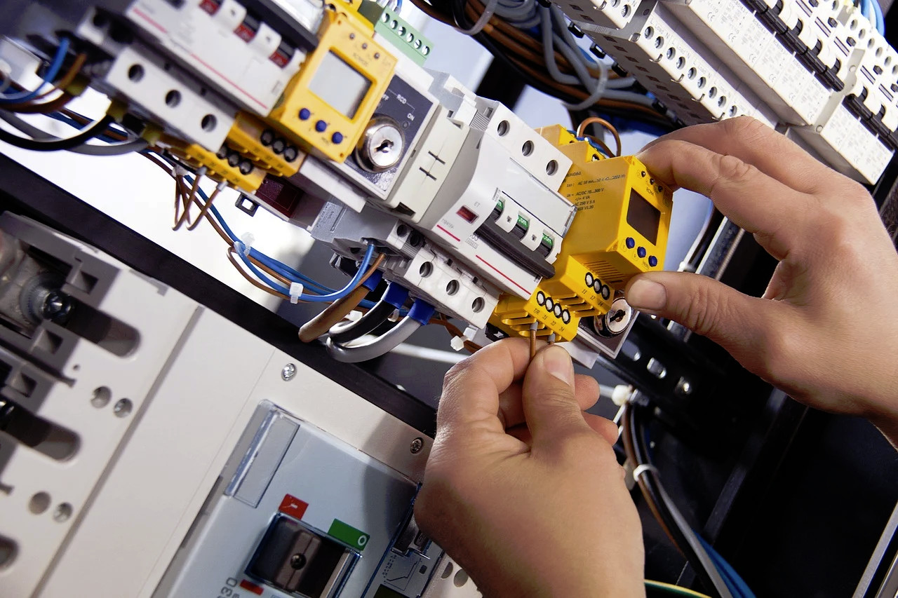 3 steps to becoming an electrician