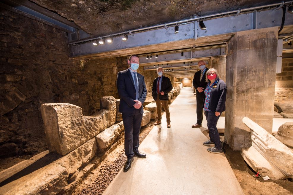 Beard brings history to life with handover of Bath Archway Project