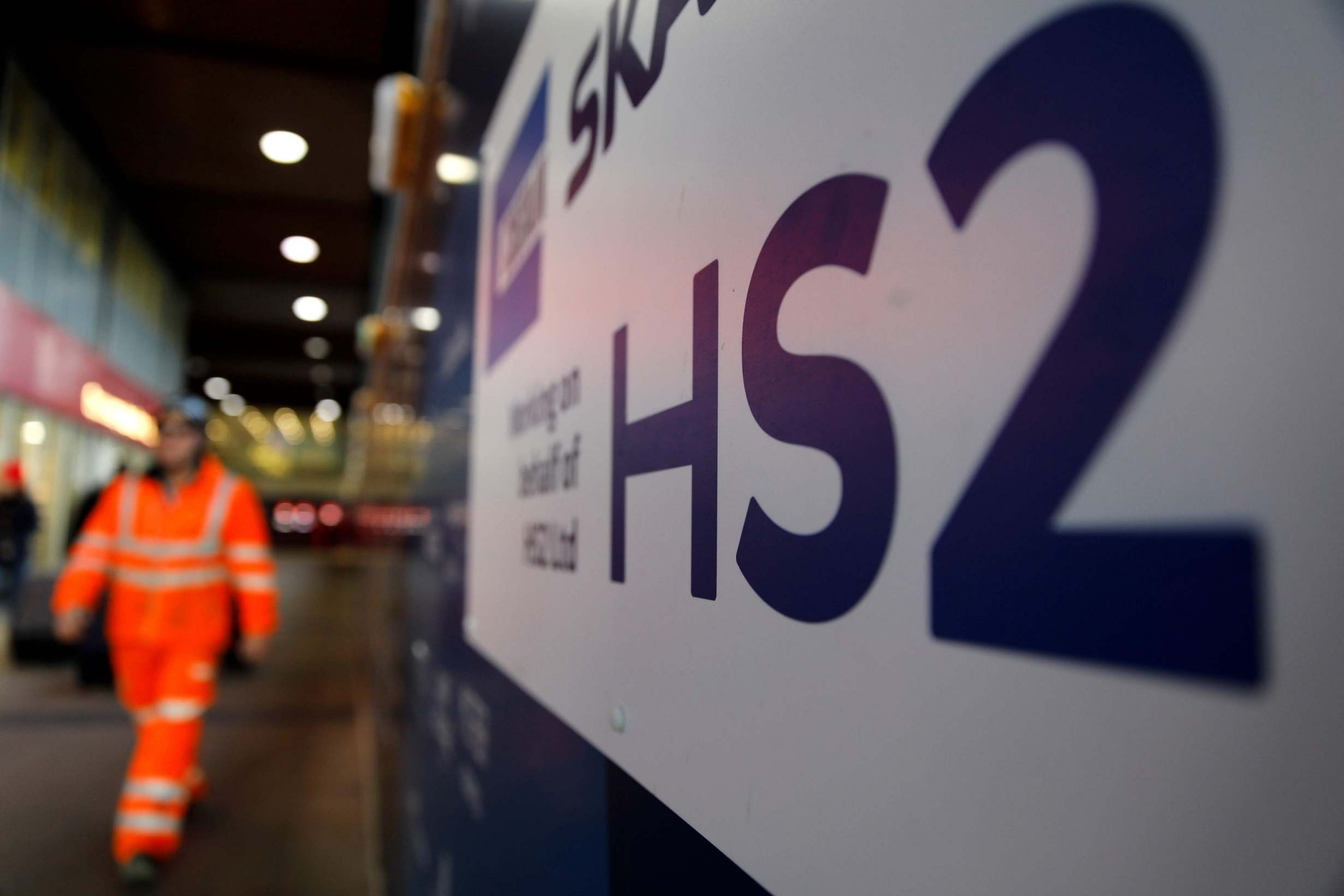 Minister leads call for East Midlands businesses to bid for work on HS2