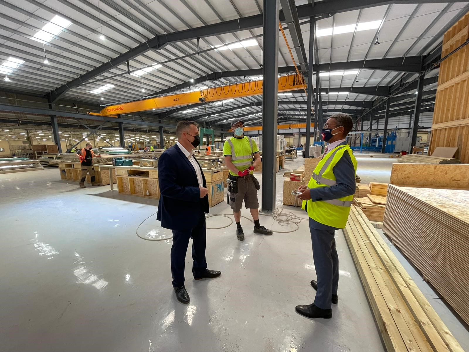 Economy Minister, Vaughan Gething, visits new timber frame construction facility
