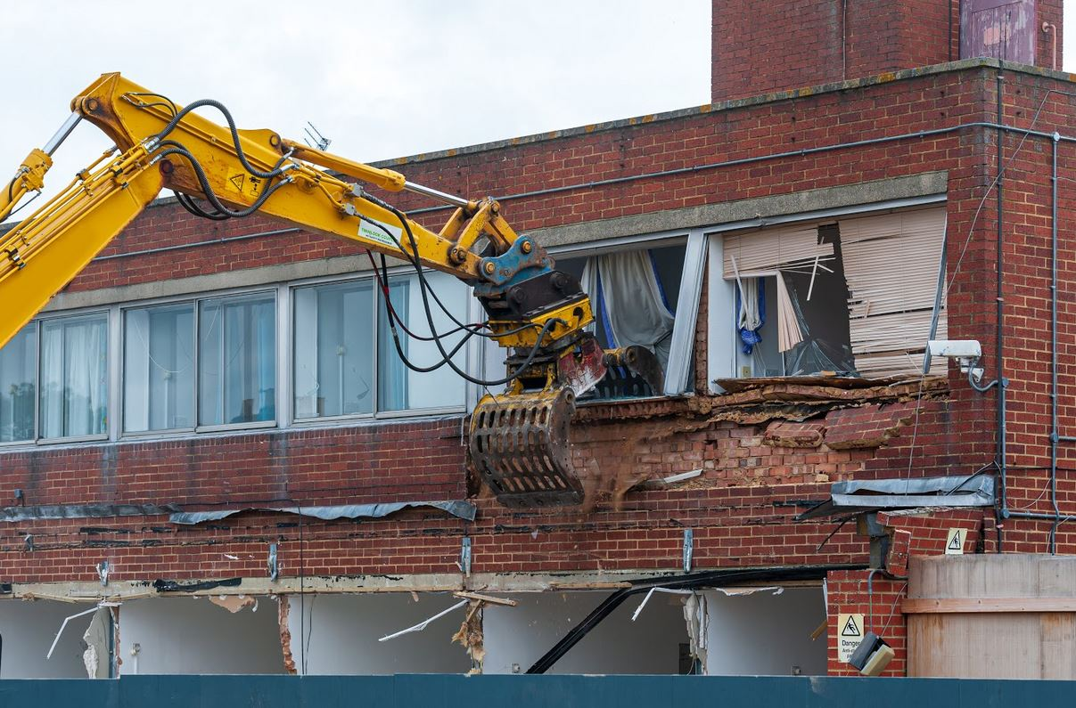 Building Demolition: How To Know Which Excavator To Use