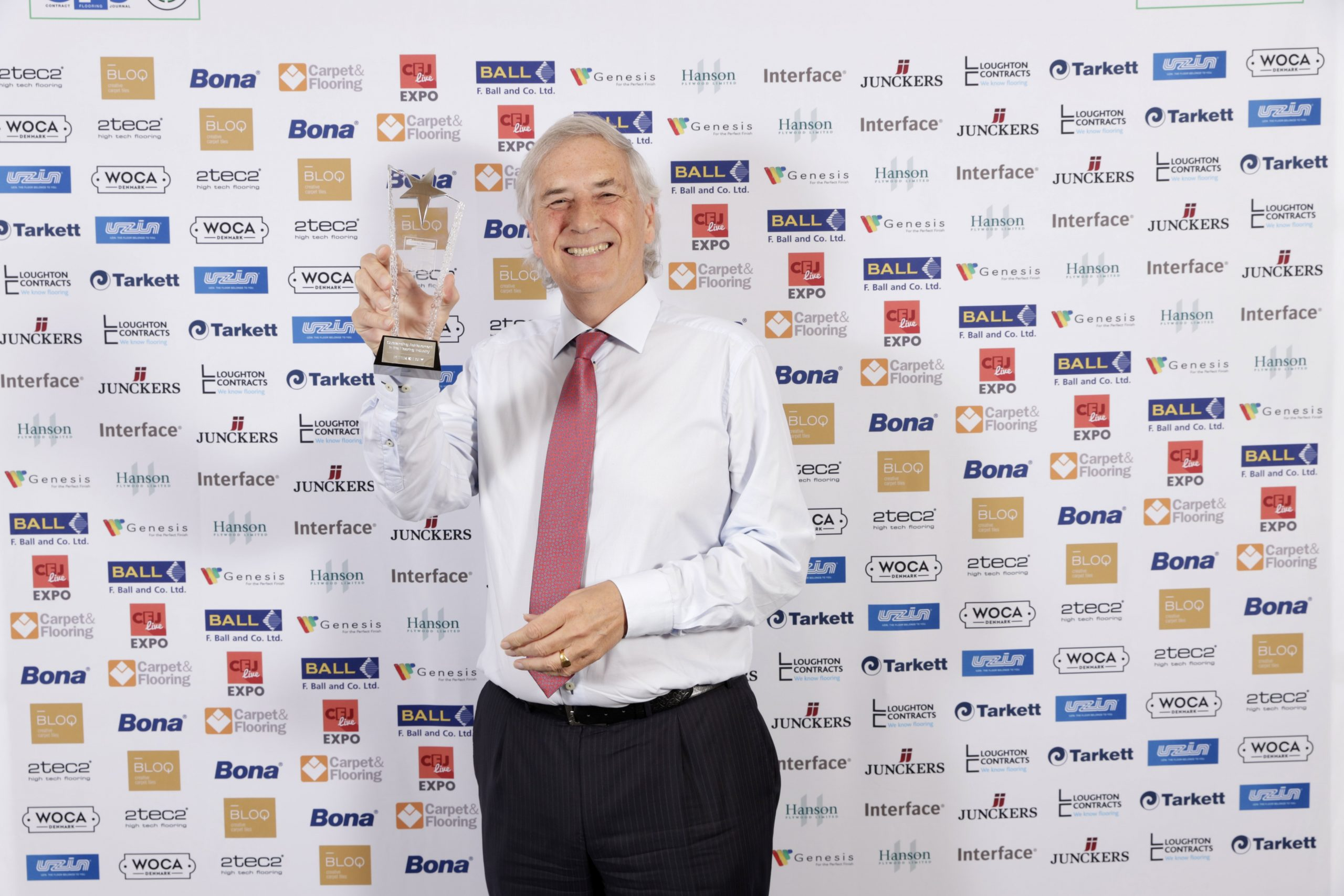 PETER KELSEY HONOURED WITH OUTSTANDING ACHIEVEMENT AWARD