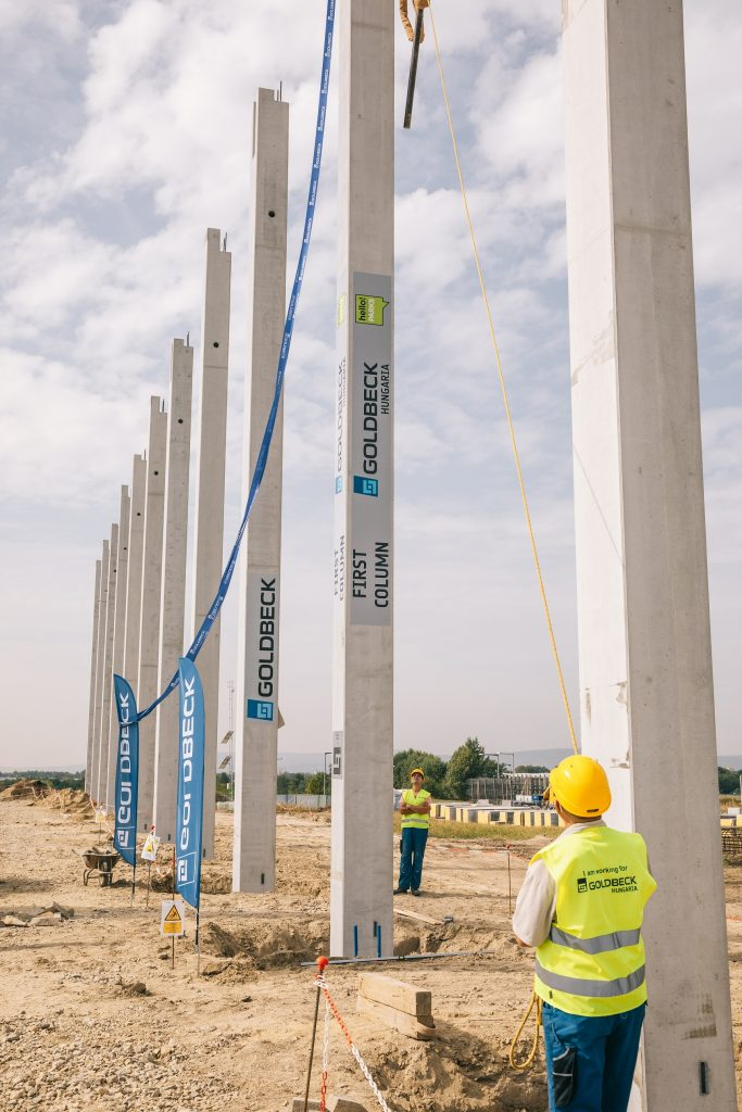Futureal Group's HelloParks has reached a new milestone by placing the first column of one of its largest developments in Fót, Hungary