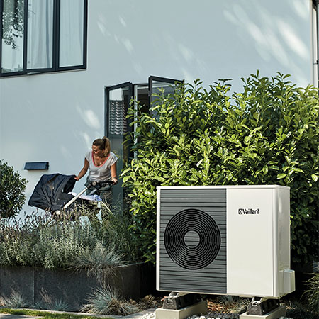 Over 40,000 heat pump installers could be trained per year: Secretary of State welcomes new training course