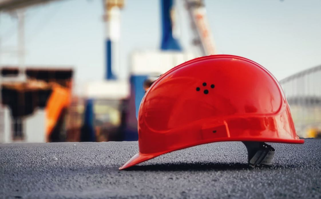 Safety Helmets Might Fully Phase Out Hard Hats Within the Next Few Years
